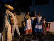 """Presentan en el Jardín Borda la obra de teatro """"Estampas Zapatistas"""""""
