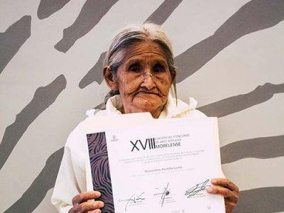 """<a href=""""/noticias/galardonados-de-la-edicion-xviii-del-concurso-de-arte-popular-morelense"""">Galardonados de la edición XVIII del Concurso de Arte Popular Morelense</a>"""