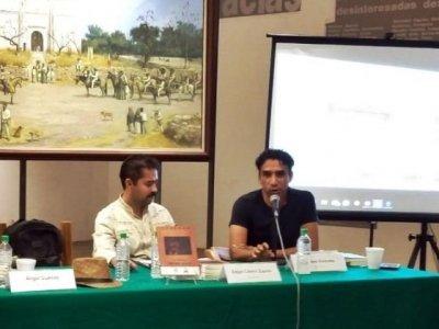 """<a href=""""/noticias/presentan-el-libro-ofrenda-la-memoria-de-emiliano-zapata"""">Presentan el libro """"Ofrenda a la memoria de Emiliano Zapata""""</a>"""
