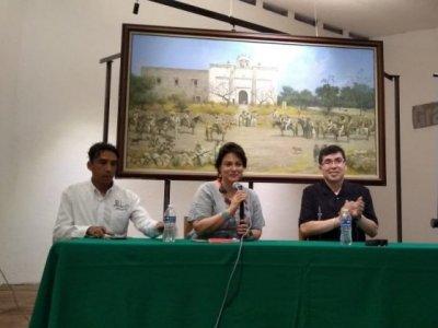 """<a href=""""/noticias/continuan-ponencias-sobre-historia-zapatista"""">Continúan ponencias sobre Historia Zapatista</a>"""