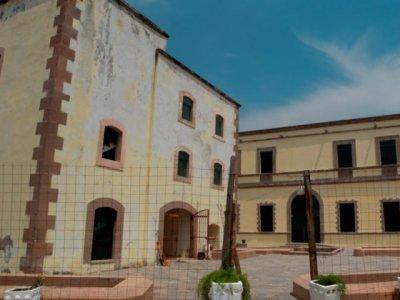 """<a href=""""/noticias/avanza-reconstruccion-y-rescate-de-museos-historicos-danados-por-el-sismo"""">Avanza reconstrucción y rescate de museos históricos dañados por el sismo</a>"""