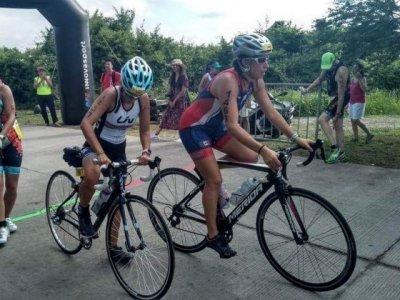 "<a href=""/noticias/se-realiza-con-exito-triatlon-en-tequesquitengo"">Se realiza con éxito triatlón en Tequesquitengo</a>"