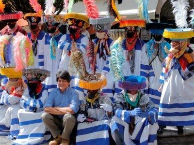 """<a href=""""/noticias/expone-el-mmapo-13-fotografias-monumentales-de-trajes-de-chinelos"""">Expone el MMAPO 13 fotografías monumentales de trajes de chinelos</a>"""