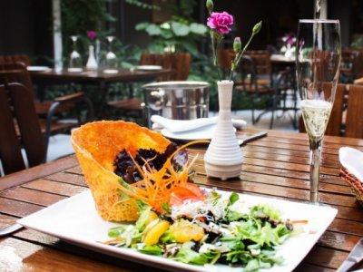 """<a href=""""/noticias/ofrece-morelos-turistas-amplia-variedad-gastronomica"""">Ofrece Morelos a turistas amplia variedad gastronómica</a>"""