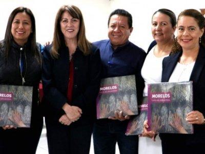 """<a href=""""/noticias/acuerdan-styc-y-legisladores-agenda-comun-favor-del-turismo-y-la-cultura-en-morelos"""">Acuerdan STyC y legisladores agenda común a favor del turismo y la cultura en Morelos </a>"""