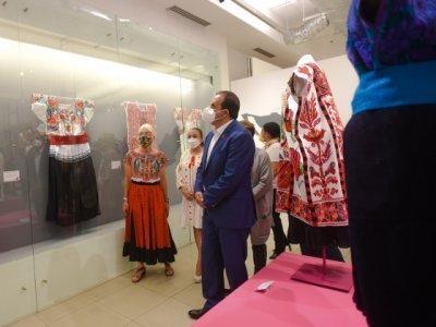 """<a href=""""/noticias/promueve-gobierno-de-morelos-arte-popular-textil-de-mexico"""">Promueve Gobierno de Morelos Arte Popular Textil de México</a>"""
