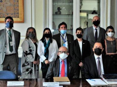 """<a href=""""/noticias/secretaria-de-cultura-y-el-inah-firman-convenio-con-la-embajada-de-hungria-para-restaurar"""">Secretaría de Cultura y el INAH firman convenio con la Embajada de Hungría para restaurar el...</a>"""