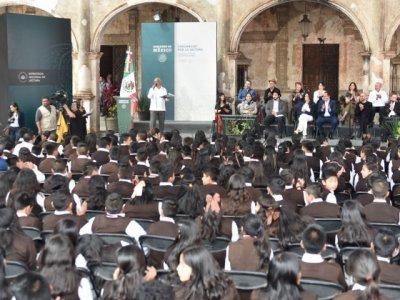"""<a href=""""/noticias/invitan-cuauhtemoc-blanco-y-beatriz-gutierrez-reforzar-el-habito-de-la-lectura"""">Invitan Cuauhtémoc Blanco y Beatriz Gutiérrez a reforzar el hábito de la lectura</a>"""