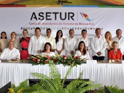 """<a href=""""/noticias/presente-morelos-en-la-asetur"""">Presente Morelos en la ASETUR</a>"""