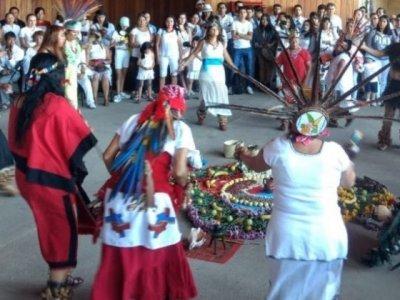 """<a href=""""/noticias/disfrutan-cientos-de-personas-el-equinoccio-en-el-centro-cultural-teopanzolco"""">Disfrutan cientos de personas el equinoccio en el Centro Cultural Teopanzolco</a>"""