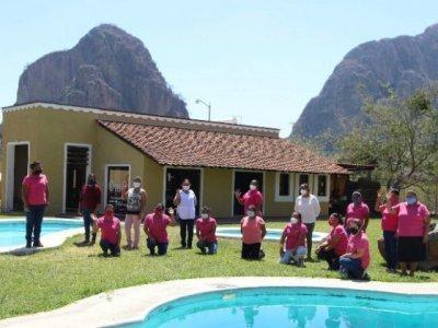 """<a href=""""/noticias/se-fortalece-oferta-turistica-morelense-con-proyectos-operados-por-mujeres"""">Se fortalece oferta turística morelense con proyectos operados por mujeres</a>"""