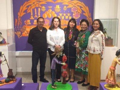 Se exhiben trabajos en cartonería de la familia Ramírez Castañeda